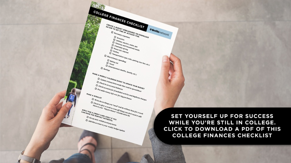 Set yourself up for success while you're still in college. Click to download a PDF of this college finances checklist.
